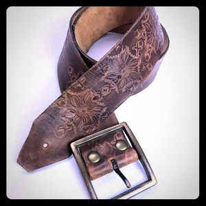 Accessories - Brown leather hand tooled embossed floral belt